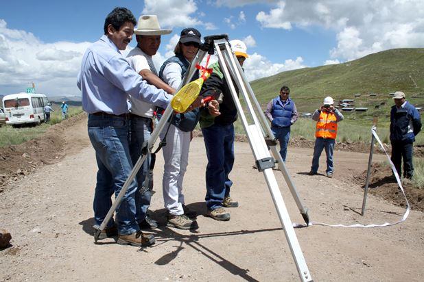 Antapaccay entregó el proyecto de apertura de la trocha carrozable en comunidad Tintaya Marquiri