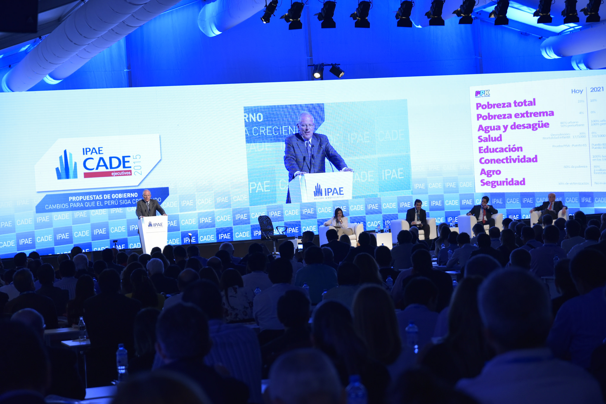 Mensaje del Gobierno en el CADE 2016 se centrará en reactivación económica, aseguró vicepresidente Vizcarra