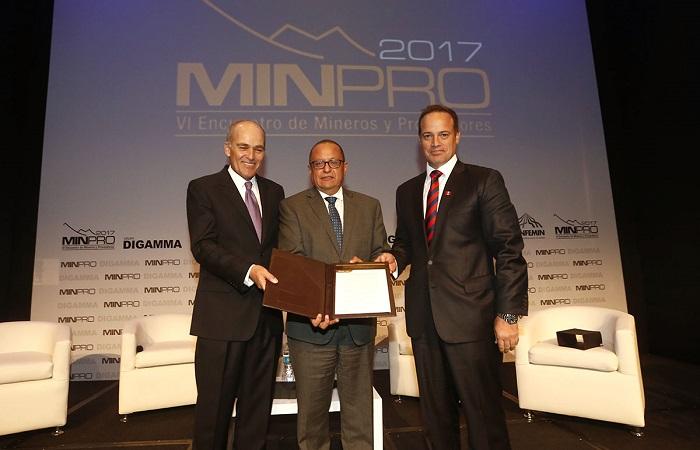 Ministerio de energ a y minas recibe las propuestas para for Ministerio de minas