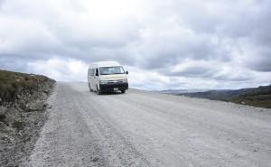 yanacocha-mejora-carretera-en-la-encanada-con-inversion-de-700-mil-soles