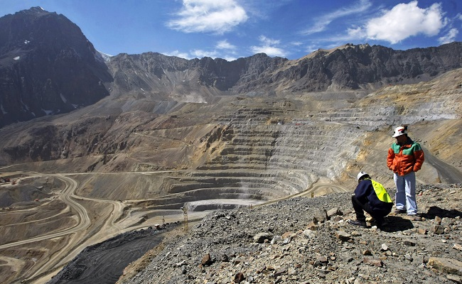 emiratos-arabes-invertira-usd-1000-millones-para-extraer-oro-en-colombia