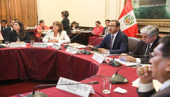 ministra-cayetana-aljovin-sustenta-proyecto-ley-promueve-industria-hidrocarburos