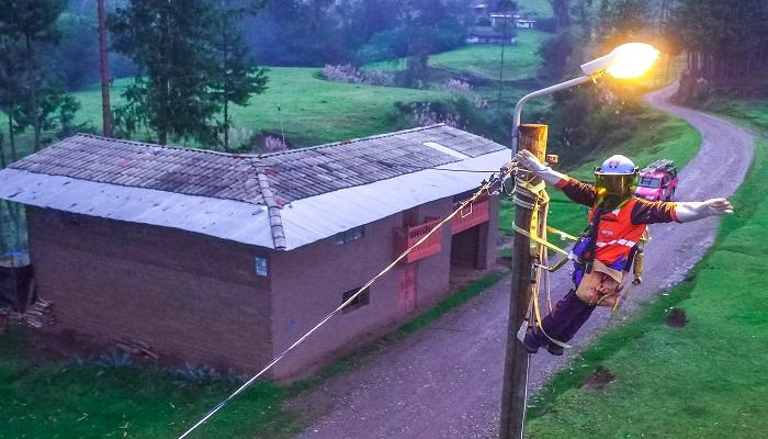 mem-anuncia-107-pueblos-cajamarca-energia-electrica