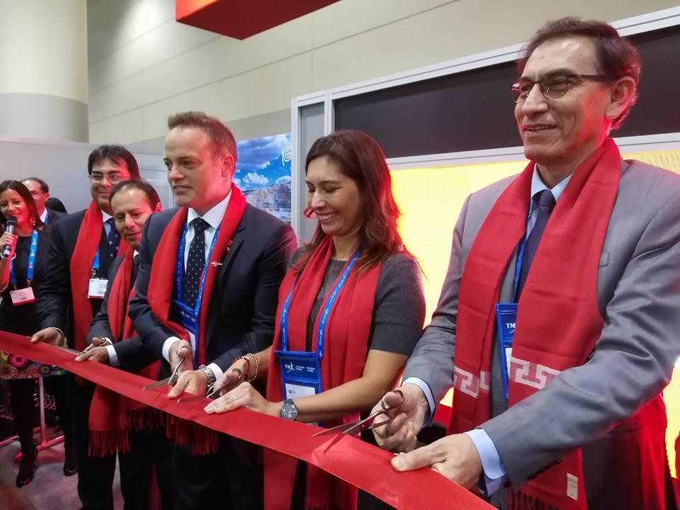 Inauguración Stand Perú