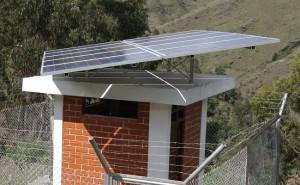 barrick-entrega-sistema-agua-potable-operado-paneles-solares