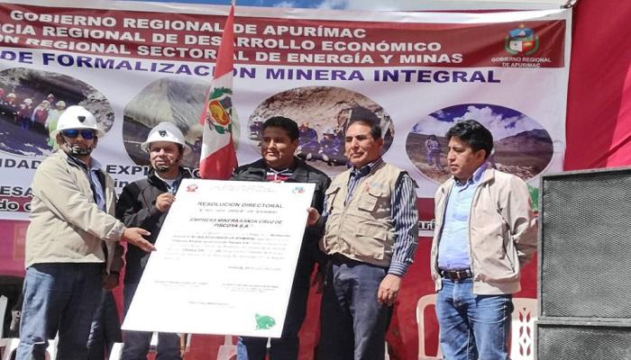 pequenos-mineros-apurimac-reciben-autorizacion-extraer-oro