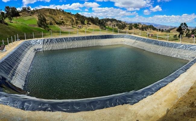 yanacocha-construye-ocho-reservorios-para-los-caserios-de-quinuario