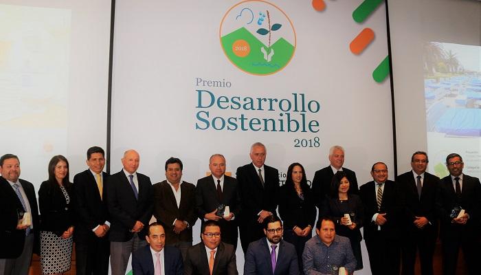 snmpe-otorga-premio-desarrollo-sostenible-6-empresas-minero-energetico