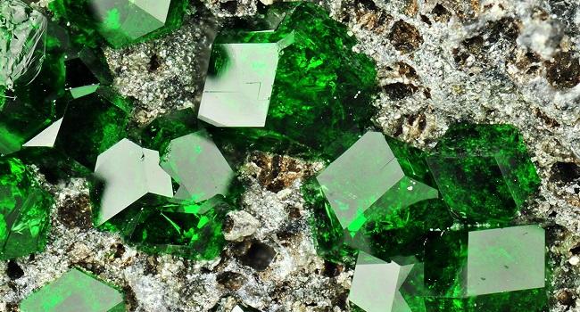 empresa-buscaria-reactivar-mina-esmeraldas-colombia