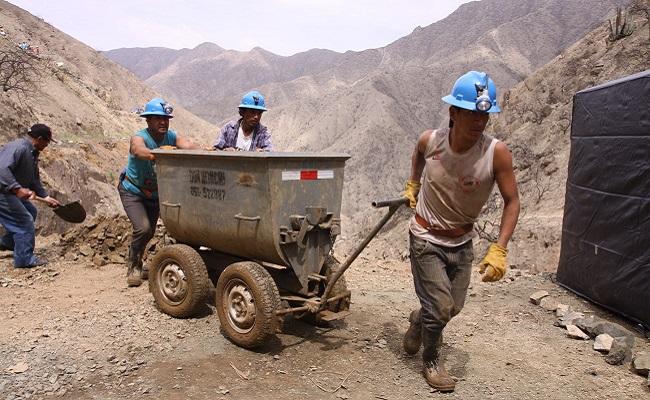 250-mineros-artesanales-de-pataz-son-capacitados-en-gestion-empresarial-y-manejo-ambiental