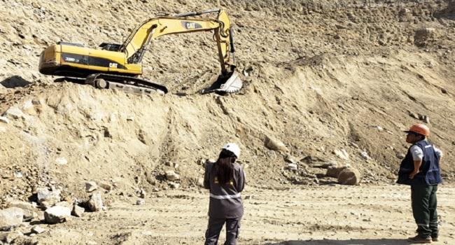 autoridades-inspeccionan-situacion-de-mineras-en-huaura-y-canta