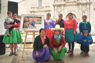 mujeres-ronderas-exposicion-fotografica-apoyo-yanacocha