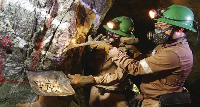 peru-supera-a-chile-en-mejores-practicas-para-el-potencial-minero