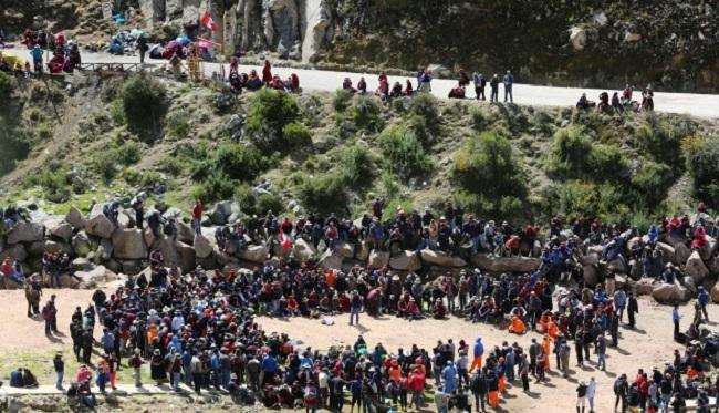 Las Bambas comuneros retoman bloqueo de via a mina