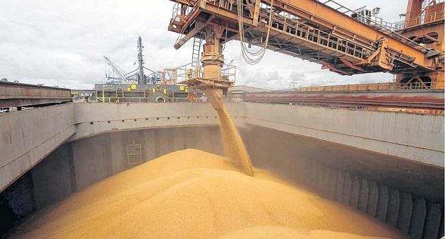 gobierno-argentino-elimina-tasa-de-importacion-de-maquinarias-para-operaciones-en-vaca-muerta-y-soja