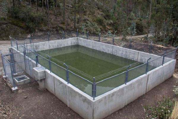 Antamina construye reservorio para riego en Carhuayoc