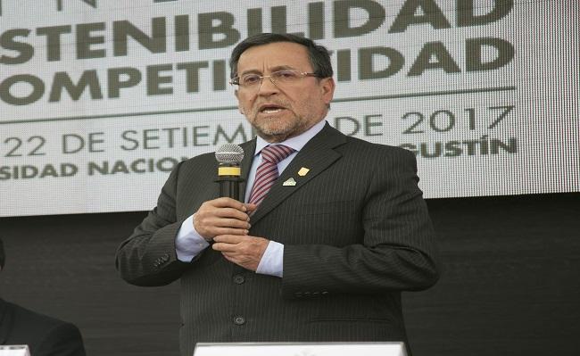 Miguel Cardozo considera urgente destrabar los permisos ambientales mineros