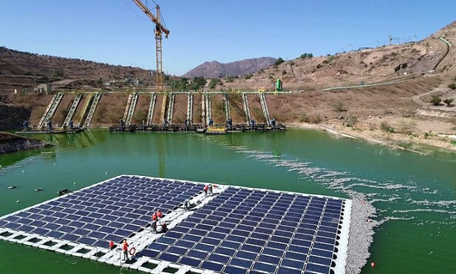 Planta de energia solar flotante impulsa mineria sostenible en Chile