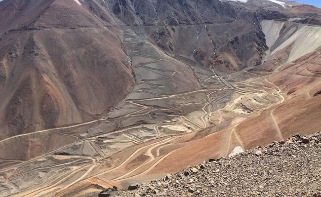 Barrick pondra en funcionamiento en 2020 linea de transmision que unira a Chile con Argentina