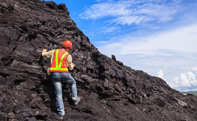 Proyecto Sombrero Auryn descubre alto grado de plata en Apurimac