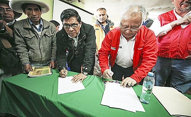 Gobierno alcanza acuerdos con 13 comunidades originarias en Espinar
