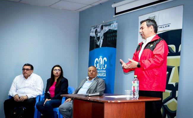Gold Fields y Gore Cajamarca capacitaron a funcionarios en Gestion Publica