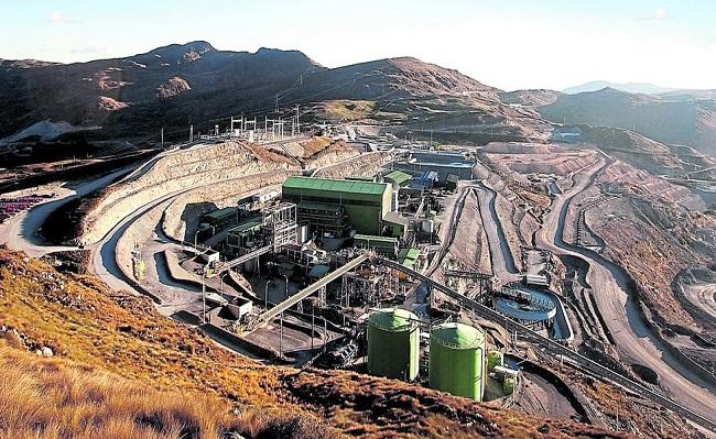 Cerro Corona evalua migrar a mineria subterranea para extender su vida util